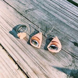 ••RARE Bratz Earrings and Ring